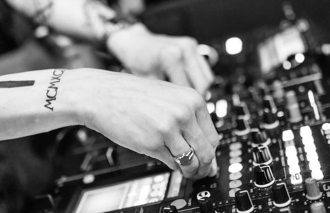 diy studio soundproofing mixing board