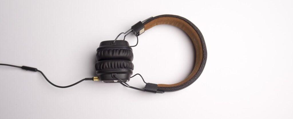 how to soundproofing headphones